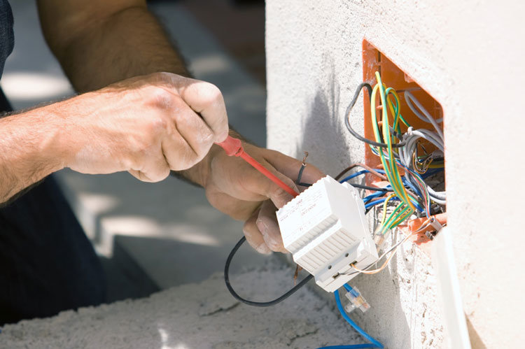 Common Home Electrical Problems and Fixes